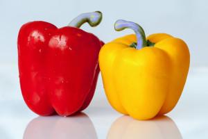 Paprika mit Lila Stielen